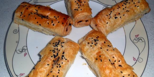 Kıymalı Milföy Börek